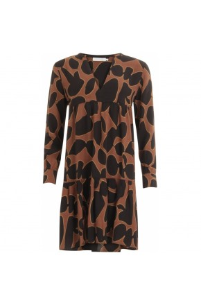 Dress in lava print w. volume effect