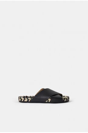Abbi sandals